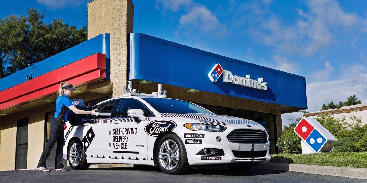 Ford stringe nuove partnership con Dominos e Postmates per il self driving delivery
